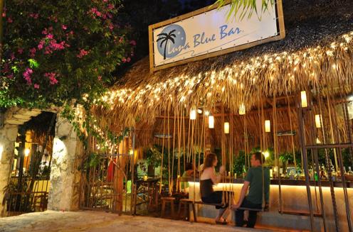 Luna Blue Bar, Playa del Carmen, Mexico